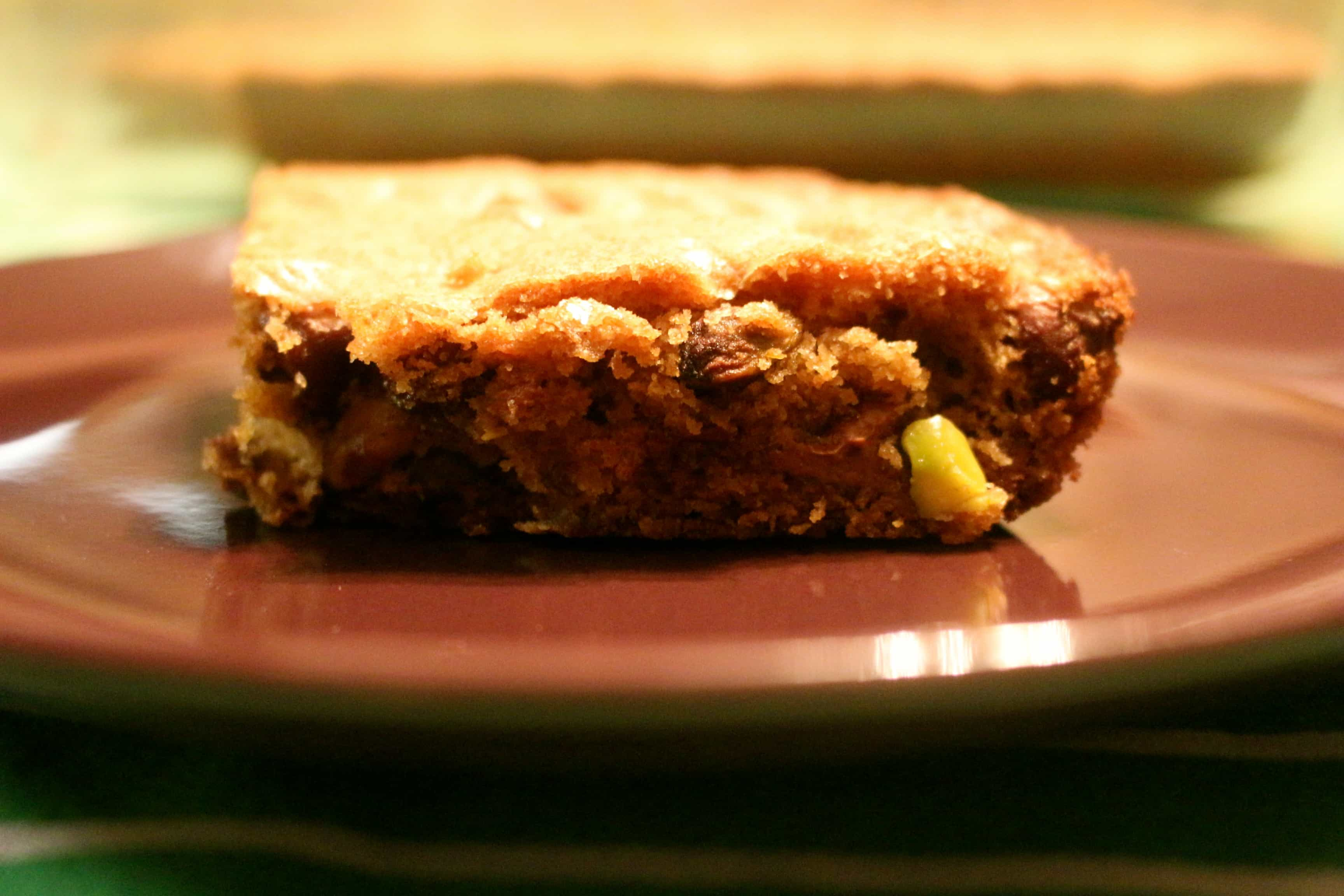 Pistachio & Chocolate Chip Blondies - By the Pounds